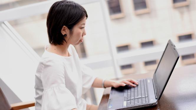 谷野さんパソコン